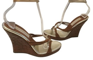 Michael Kors All Leather Gold Metal Ring Italian Brown weave Wedges