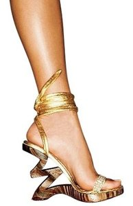 Two Lips Gold Wedges