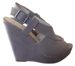 Chinese Laundry Taupe Wedges