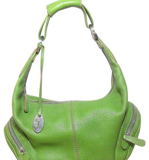 Preload https://img-static.tradesy.com/item/16003105/tod-s-small-pebble-green-leather-hobo-bag-0-1-540-540.jpg