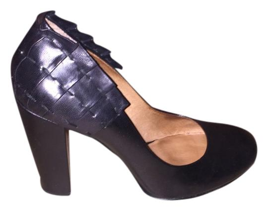 No 704b Black Pumps