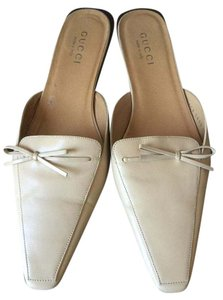 Gucci Leather Flats Bow Cream Mules