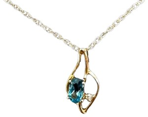 BRAND NEW NEVER WORN! Genuine Blue Topaz & Diamond 14K Yellow Gold 18