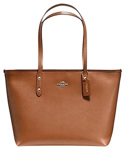 Coach Shoulder Tote in Saddle/Gold Tone