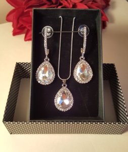 Austran Crystal Silver Finish Bridal Jewelry Set