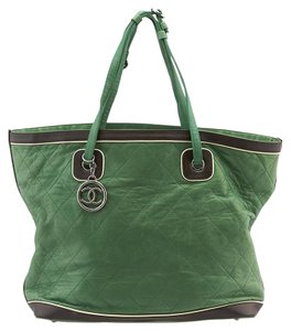 Chanel Leather Tote in Green & Black