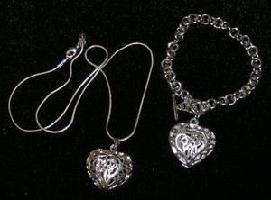 2pc Matching Puffed Heart Jewelry Set Free Shipping