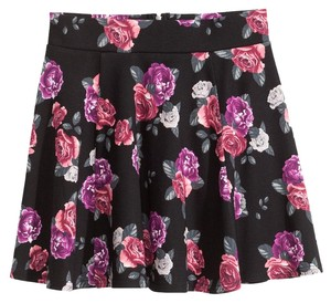 H&M Flare Black Summer Floral Stretchy Mini Skirt Black Floral