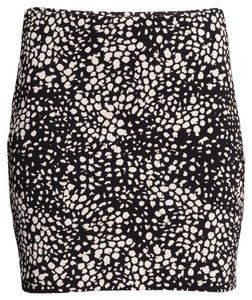 H&M Print Pattern Mini Stretchy Mini Skirt Black/Ivory print