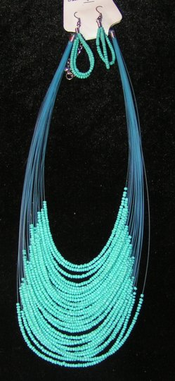 Preload https://img-static.tradesy.com/item/1601626/turquoise-blue-bogo-free-2pc-beaded-necklace-er-free-shipping-jewelry-set-0-0-540-540.jpg