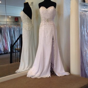Showtime Collection Wedding Dress