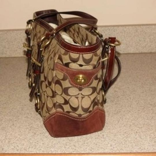 Coach Tote in Brown/Coach logo