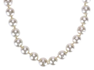 Chanel Chanel Vintage Faux Pearl Crystal Closure Choker