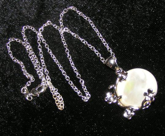 Silver/White Bogo Free Mop Free Shipping Necklace