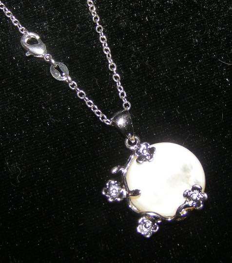 Silver/White Bogo Free Mop Free Shipping Necklace Image 2