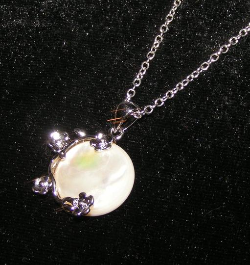 Silver/White Bogo Free Mop Free Shipping Necklace Image 4