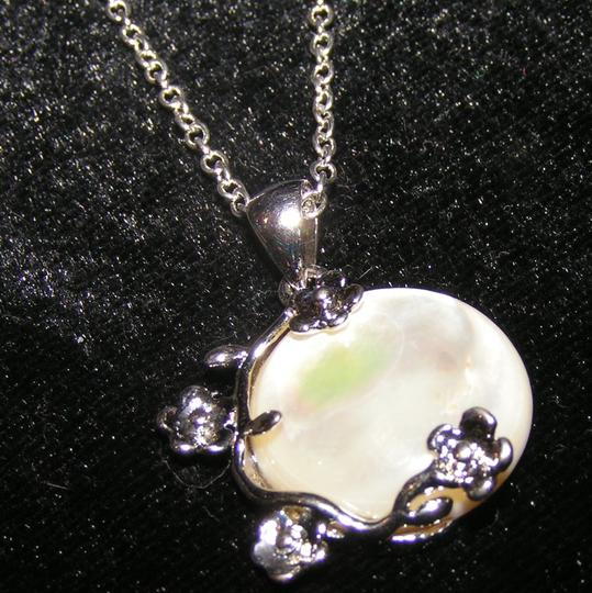 Silver/White Bogo Free Mop Free Shipping Necklace Image 5
