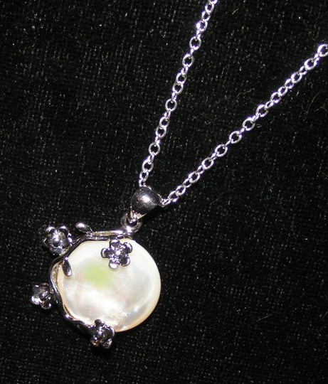 Silver/White Bogo Free Mop Free Shipping Necklace Image 6