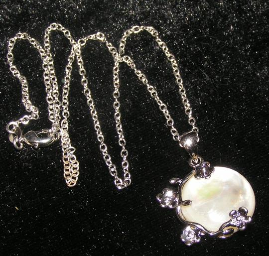 Silver/White Bogo Free Mop Free Shipping Necklace Image 7