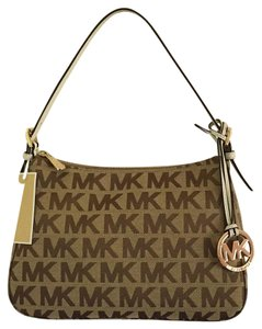 Michael Kors Pet/smoke Free Signature Canvas Charm Handbag Baguette