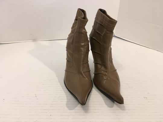 Chuckies of New York Half Sole Made Italy Tan leather with ridges stack wood heels Italian ankle Boots