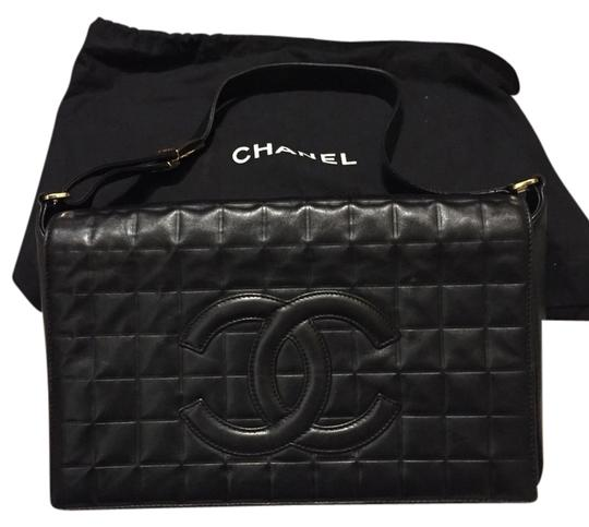 Preload https://img-static.tradesy.com/item/1602227/chanel-not-sure-black-lether-shoulder-bag-0-0-540-540.jpg