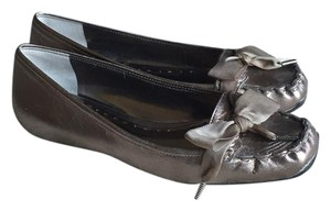 BCBGMAXAZRIA New Pewter/Metallic Kid Flats