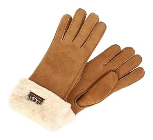 UGG Australia Size SMALL. UGG Turn Cuff Gloves, Chestnut.