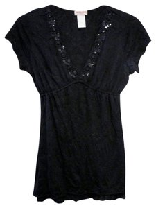 Guess Sexy Stretch/fitted V-neck Top Black