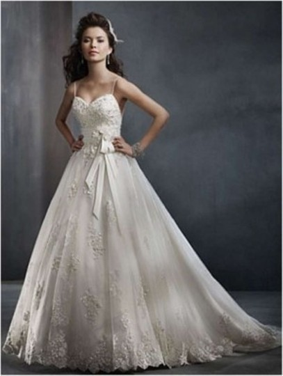 Preload https://item4.tradesy.com/images/alfred-angelo-diamond-whitesilver-lacetulle-2300-feminine-wedding-dress-size-4-s-160288-0-0.jpg?width=440&height=440