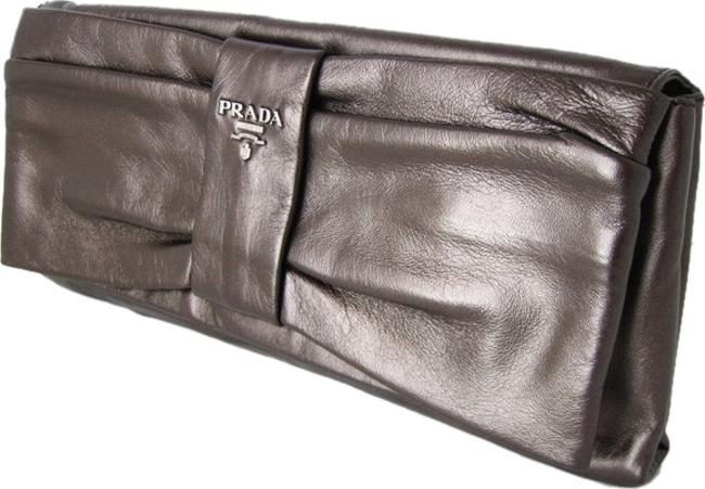 Item - Nappa Bow Oversize Shiny Brown Lambskin Leather Clutch