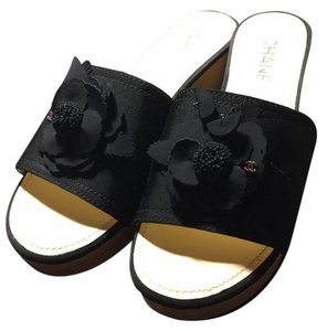 Chanel New 15c Camellia black Mules