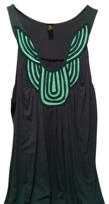 Preload https://item2.tradesy.com/images/green-night-out-top-size-4-s-160316-0-0.jpg?width=400&height=650