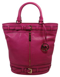 Michael Kors Mk Logo Logo Mk Kingsbury Bucket Bucket Tote in Zinnia Hot Pink Gold Hardware