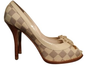 Louis Vuitton Damier Azur Pumps