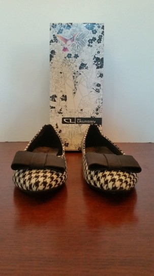 Chinese Laundry Ballet And White Size 7.5 Black houndstooth Flats
