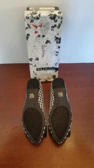 Chinese Laundry Ballet And White Size 7.5 Black houndstooth Flats Image 4