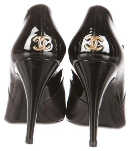 Chanel Interlocking Cc Mary Jane Black, Gold Pumps