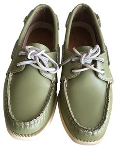 Sperry Green Flats