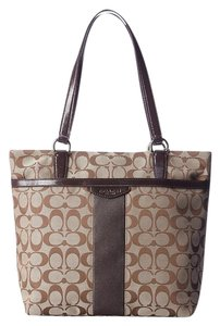 Coach Brown New Campbell Tote in Khaki/Brown