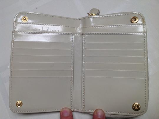 Moschino Wallet used in good condition Image 4