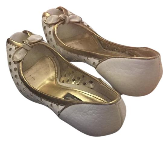 Preload https://img-static.tradesy.com/item/16048540/dolce-and-gabbana-white-gold-gold-sandals-size-us-7-0-1-540-540.jpg