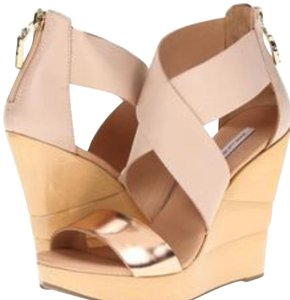 Diane von Furstenberg gold/tan Wedges