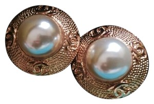 Chanel Gorgeous Vintage Gold-tone Statement Earrings w/Pearl