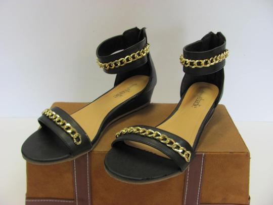 Charming Charlie Size 8.50 M Condition Black, Gold, Sandals Image 1