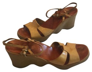 Famolare Natural Sandals