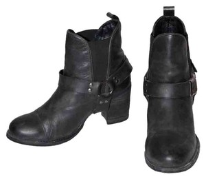 Deena & Ozzy Leather Buckle Pull-on Gray Boots