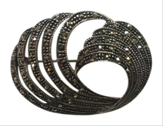 Preload https://img-static.tradesy.com/item/16054780/silver-sterling-marcasite-brooch-0-1-540-540.jpg