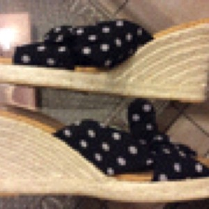 Chico's Dark blue/ White polka dots Wedges