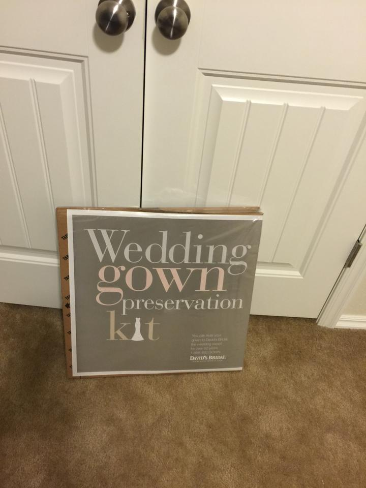 Free shipping for Wedding dress preservation kit